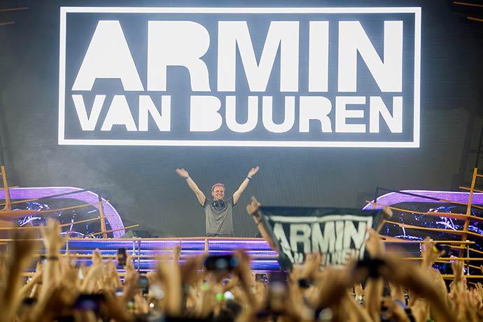 Revista News Armin-van-Buuren Armin van Buuren realiza show em São Paulo
