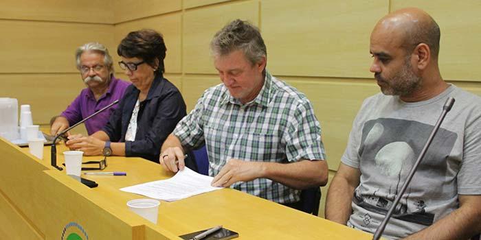 Assinatura decreto Oncologia Centenário 135 - Hospital Centenário institui mesa permanente com trabalhadores e Junta Financeira