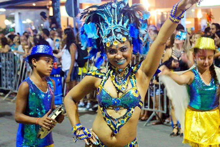 Balneário Camboriú Carnaval b - Mais de 110 mil pessoas já participaram do Carnaval de Balneário Camboriú