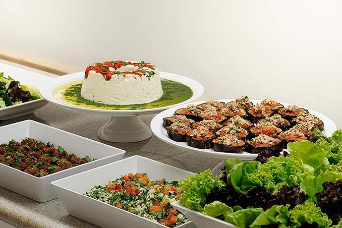 Buffet variado que atende às necessidades nutricionais e preferências de cada cliente - Restaurante Sementina: comida natural e funcional no Moema, SP