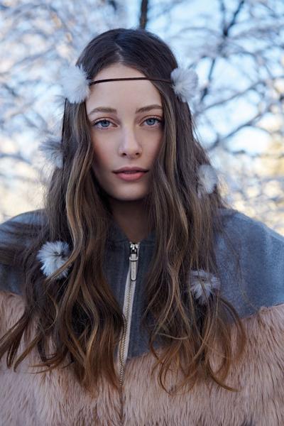 Revista News Campanha-Lua-Luá-finlandia17 Thairine Garcia posa na Finlândia para o Inverno 2018 da Lua Luá