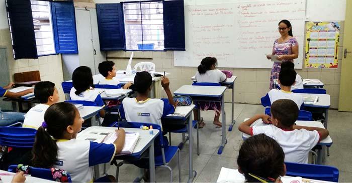 Educação Brasil 1 - Mais de 40% dos municípios ainda precisam informar gastos com educação