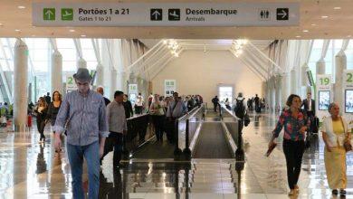 Empresas aéreas brasileiras transportaram mais de 98 milhões de passageiros pagos em 2017 390x220 - Aumenta número de brasileiros viajando de avião