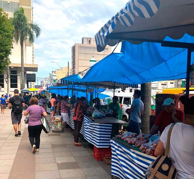 Feira Ponto de Safra 2 - Feira do Ponto de Safra na Praça Dante Alighieri em Caxias do Sul