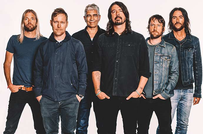 "Foo Fighters - Foo Fighters vence Grammy Awards na categoria ""Best Rock Song"""