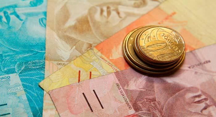 Fraudes no FGTS - Confiança do comércio cresce 1,3% de março para abril, diz CNC