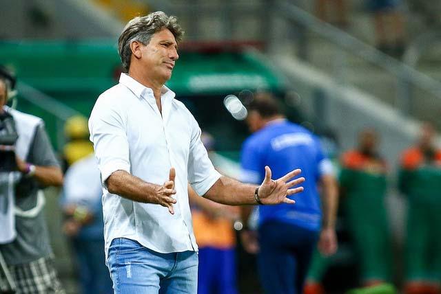Grêmio é derrotado pelo Cruzeiro RS 1 - CRUZEIRO-RS DERROTA GRÊMIO EM PLENA ARENA