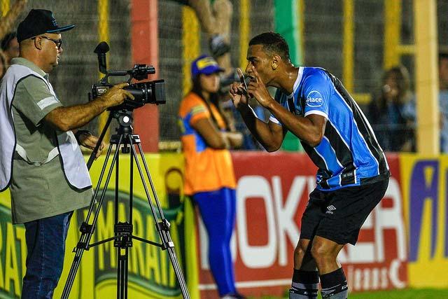 Grêmio perde para o Veranópolis 4 - GRÊMIO COM POUCO FUTEBOL É SUPERADO PELO VERANÓPOLIS