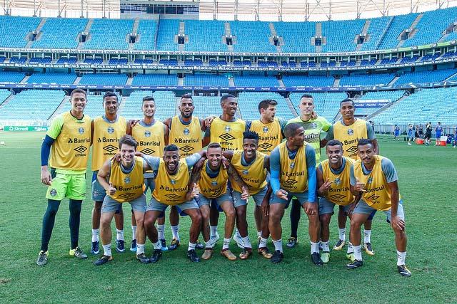Grupo principal do Grêmio 1 - GRUPO PRINCIPAL DO GRÊMIO PRONTO PARA PRIMEIRO JOGO OFICIAL DE 2018