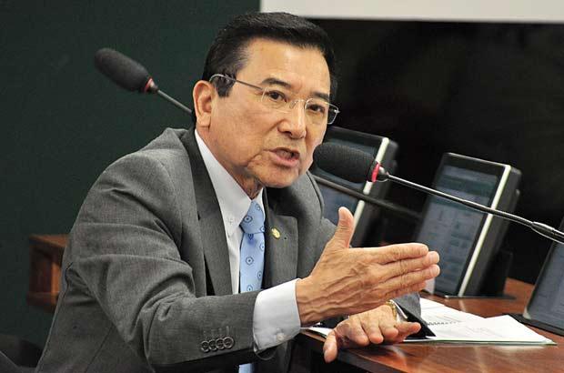 Revista News Junji-Abe Suplente de Maluf pode tomar posse ainda hoje