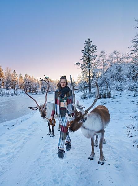 Revista News Lua-Luá Thairine Garcia posa na Finlândia para o Inverno 2018 da Lua Luá