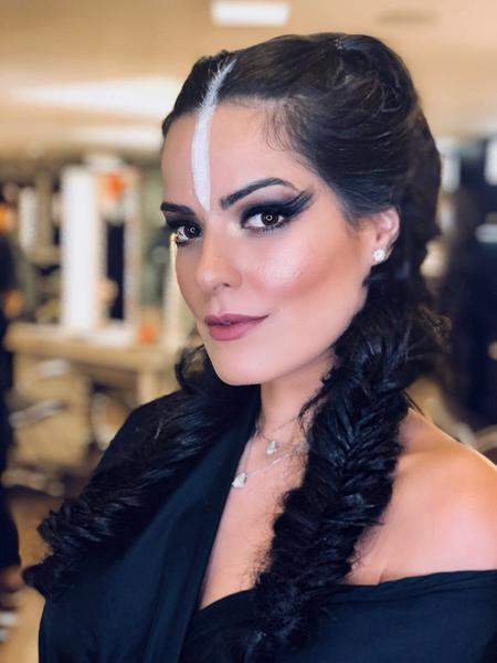 Mariah Bernardes - Salão Marcos Proença teve esquenta para Baile da Vogue