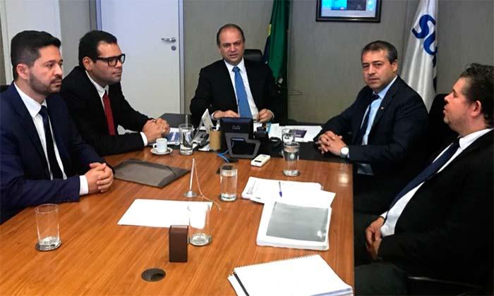 Naason Luciano e Raizer Ferreira no gabinete em reunião com o ministro da Saúde - Secretário de Saúde está em Brasília em busca de recursos