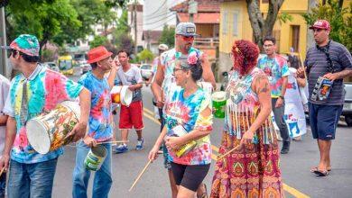Pessoas em situação de rua participam de bloco de carnaval em Caxias do Sul 3 390x220 - Em Caxias do Sul tem bloco de carnaval formado por pessoas em situação de rua