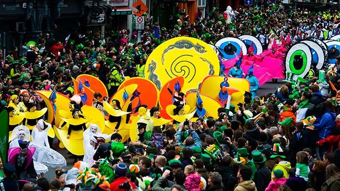 St Patricks Festival Parade 2 Credito Tourism Ireland   Failte Ireland - Conheça o Saint Patrick's Day, a maior festa da Irlanda