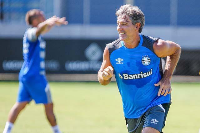 Revista News Treino-do-Grêmio-para-enfrentar-o-Veranópolis-1 RENATO ENCAMINHA EQUIPE COM RESERVAS CONTRA O VERANÓPOLIS