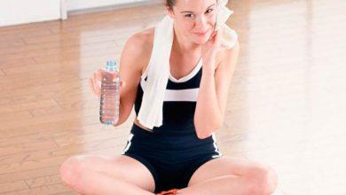 academia 390x220 - Cuidados com a pele antes, durante e após a prática de exercícios