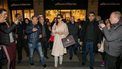 angelina jolie 390x220 - Angelina Jolie em Paris