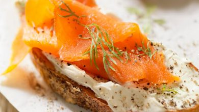 bruscheta salmão 390x220 - Aprenda duas receitas com salmão defumado