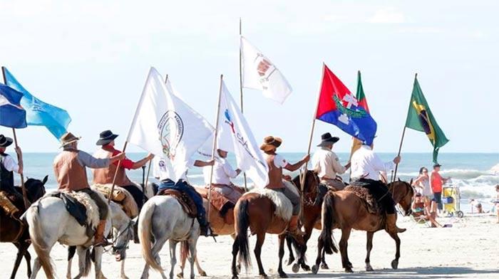 cavalgada mar - Cavalgada do Mar 2018 passa por Capão da Canoa