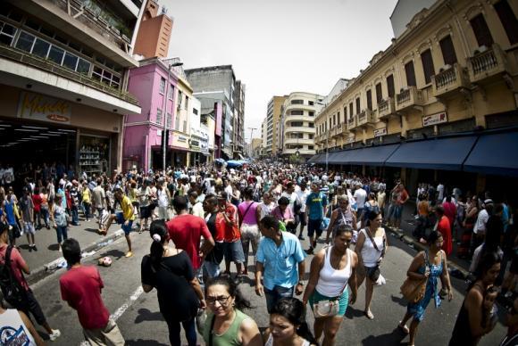 comercio em sao paulo - Mais de 20 mil estabelecimentos comercias devem abrir este ano no Brasil