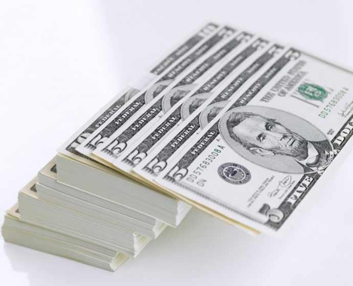 dolar 1 - Bolsa sobe e dólar cai mais de 2% na volta do carnaval