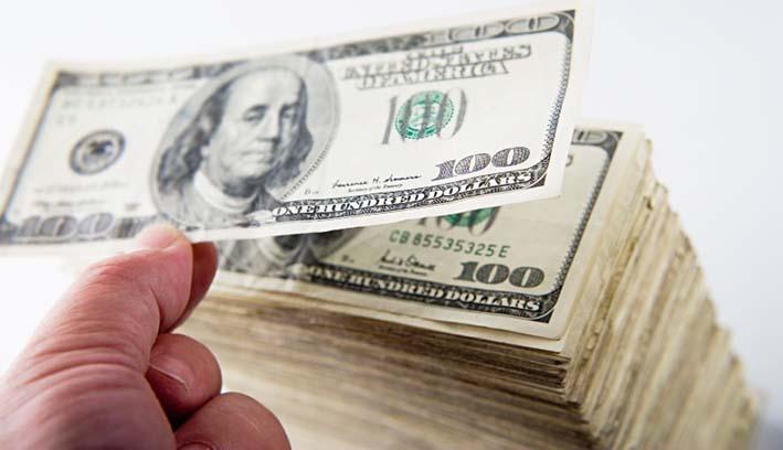 dollar66 cópia - Entrada de dólares supera saída em US$ 8 bilhões em janeiro