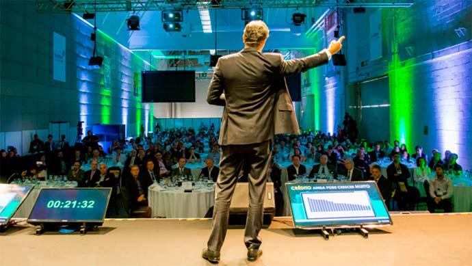 forum exporevestir - EXPO REVESTIR 2018 inova até no formato