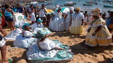 iemanja antonioqueiros 390x220 - Fevereiro inicia com festa em Salvador, Bahia