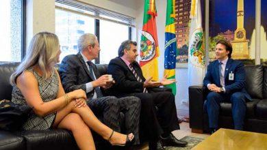 image 390x220 - Nova diretoria da CIC de Caxias do Sul visita prefeito