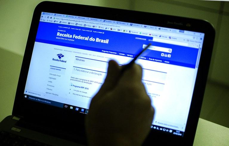 imposto de renda - Cerca de dois terços dos contribuintes ainda não enviaram declaração do IR