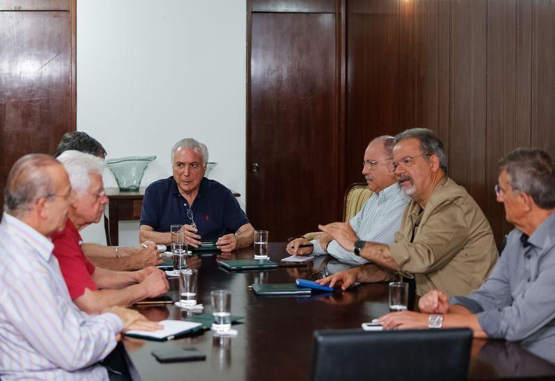 jaburu - Após confirmar criação de nova pasta, Temer recebe ministros no Jaburu