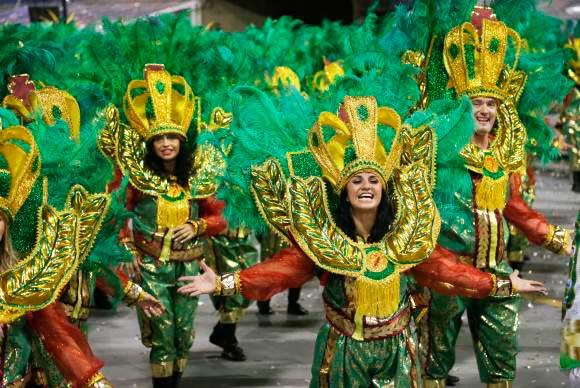mancha verde - Sete escolas de samba abrem desfile hoje em São Paulo