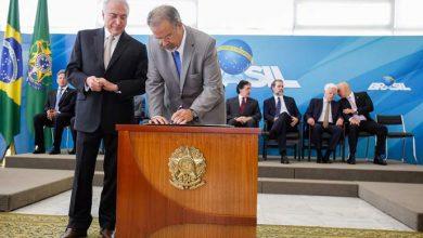 posse do ministro de estado 390x220 - Raul Jungmann toma posse no Ministério Extraordinário da Segurança Pública