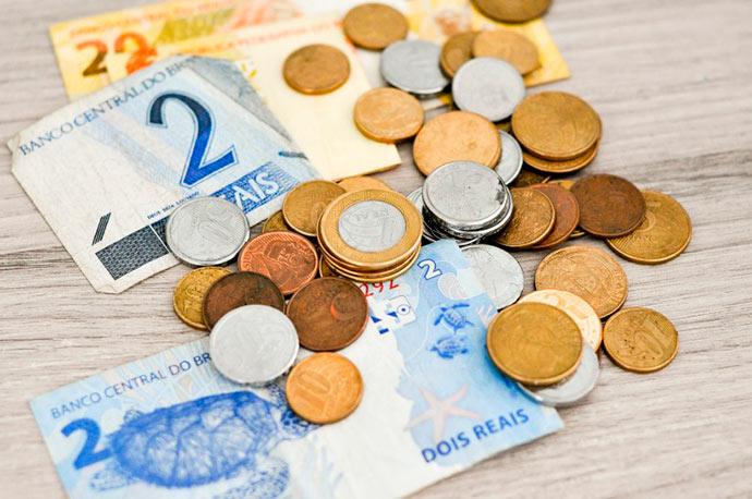 rel - Renda familiar per capita no Brasil em 2017 foi de R$ 1.268, segundo IBGE