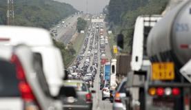 transito na saida de sao paulo - Motoristas enfrentam congestionanto nas saídas de São Paulo neste sábado