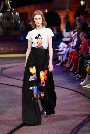 929085842 317x468 - Opening Ceremony lança coleção inspirada em Mickey Mouse