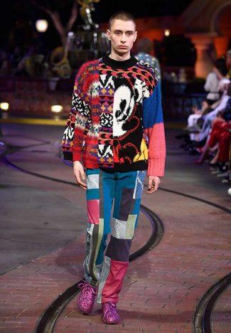 929085906 325x468 - Opening Ceremony lança coleção inspirada em Mickey Mouse