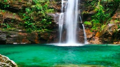 Cachoeira Santa Bárbara 390x220 - Conheça o roteiro preferido dos famosos na Chapada dos Veadeiros