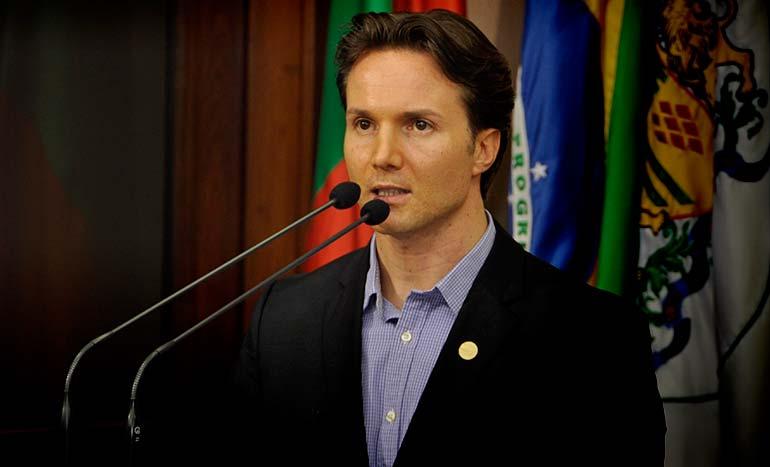 Daniel Guerra Prefeito de Caxias do Sul 1 - Prefeitura de Caxias vai a Justiça contra o aumento da tarifa de ônibus
