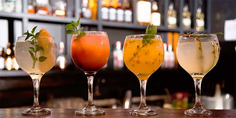 Gràcia Bar Drinks - Gràcia Bar traz novas receitas de gin e tônica com ingredientes tropicais na carta de bebidas