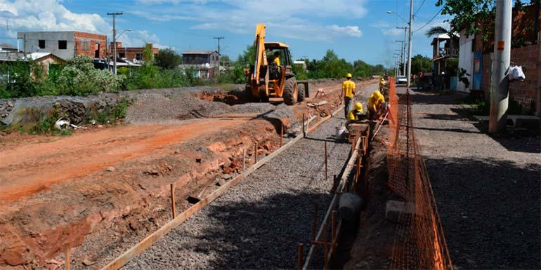 Obras na Avenida Alcântara minimizarão alagamentos e melhorarão a mobilidade urbana - Avançam os trabalhos de reurbanização da Avenida Alcântara