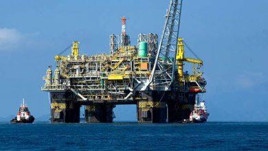 Plataforma de petróleo 390x220 - Venda futura de petróleo do pré-sal será feita em leilões na bolsa de valores B3