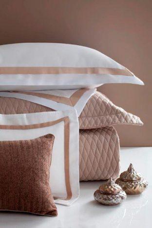 St Germain Branco com Caramelo Still 312x468 - Naturalle Fashion – Enxoval de Outono