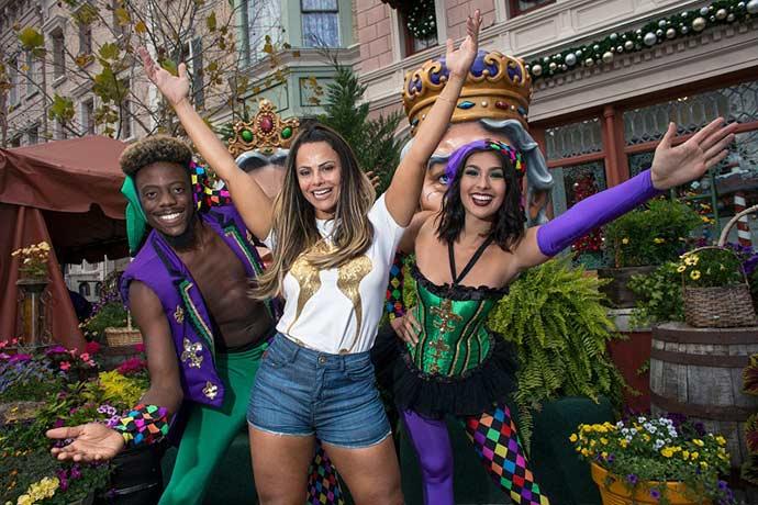 "Viviane Araujo no Universal Orlando180312 153345 - Viviane Araújo conhece o Mardi Gras, o ""Carnaval"" do Universal Orlando"