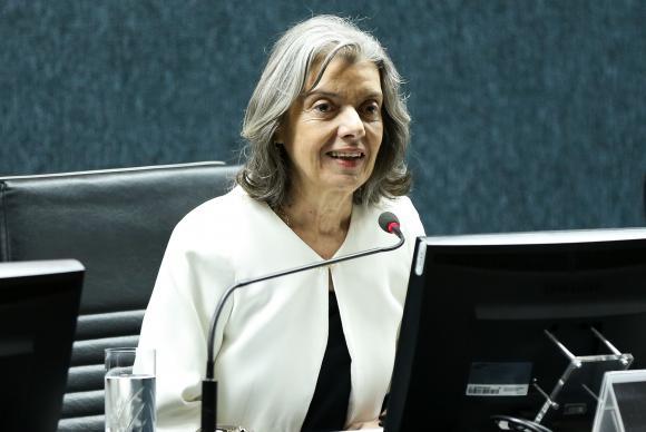 carmen lucia - Cármen Lúcia diz que não vai se submeter a pressões políticas