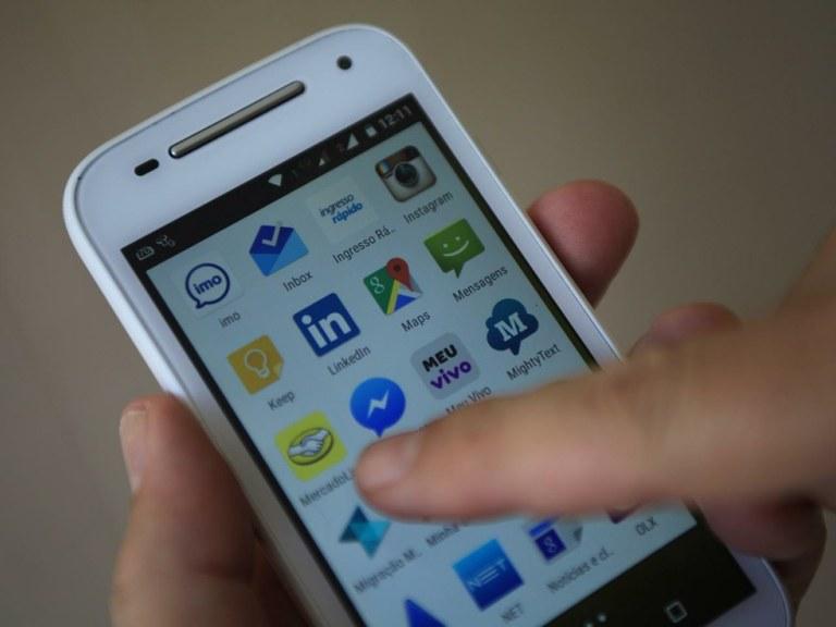 cel - Diminui número de linhas de celular em operação no país