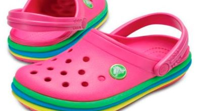 croc 390x220 - Crocs apresenta o clog Rainbow