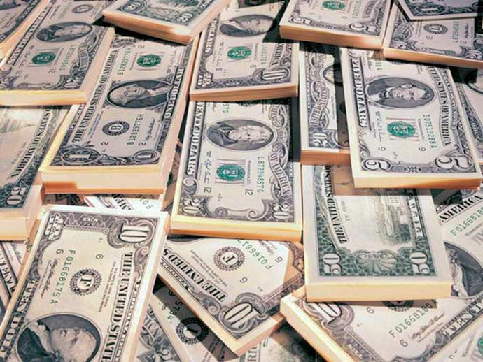 dolares - Banco Central intervém e dolár fecha o dia a R$ 4,14