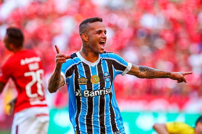 gremio 4 - Grêmio confirma classificação no Gauchão com vitória no Gre-Nal 413